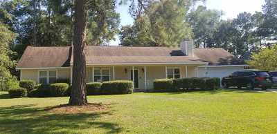 Macon Single Family Home For Sale: 132 Coley Lake Rd