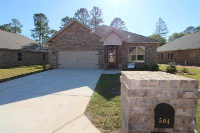 Perry Single Family Home For Sale: 504 Legacy Park Drive
