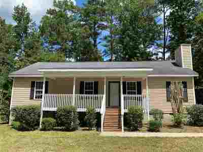 Rental For Rent: 904 Chisholm Trail