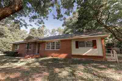 Single Family Home For Sale: 113 Maxwell Drive