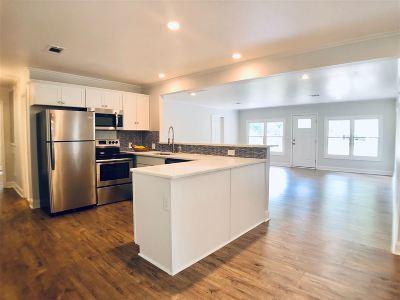 Single Family Home For Sale: 101 Dogwood Drive