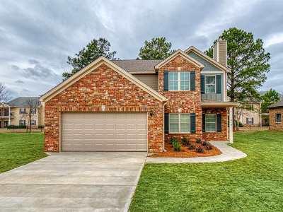 Kathleen Single Family Home For Sale: 610 Hawks Nest Drive Drive