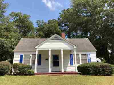 Rental For Rent: 217 Oak Street