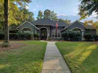 Single Family Home For Sale: 111 Fountain Lane