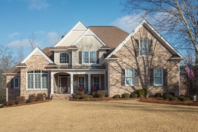 Columbus Single Family Home For Sale: 5071 Hawk's Ridge Drive