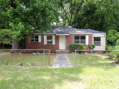 Columbus Single Family Home For Sale: 927 Brooks Road