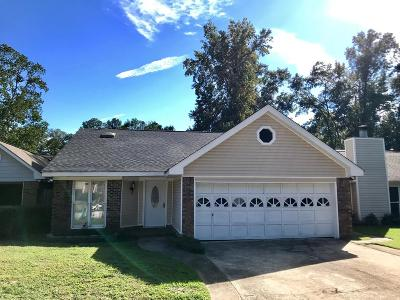 Columbus Single Family Home For Sale: 4738 Woodmere Lane