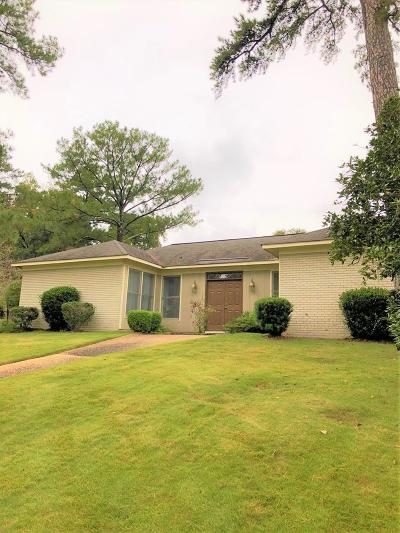 Columbus Single Family Home For Sale: 6201 Charing Drive
