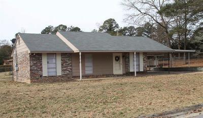 Columbus Single Family Home For Sale: 6001 Williamsburg Drive