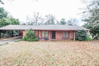 Single Family Home For Sale: 4 Faye Lane