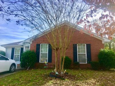 Columbus Single Family Home For Sale: 7024 Hunter Hill Court
