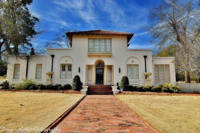 Columbus Single Family Home For Sale: 933 Peachtree Drive