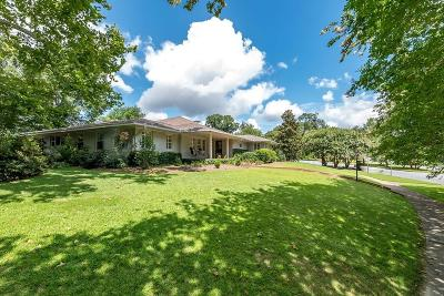 Columbus Single Family Home For Sale: 857 Overlook Drive