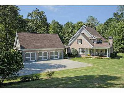 Single Family Home Sale Pending: 825 Liberty Grove Road