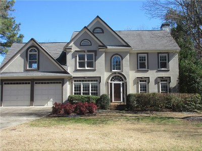 Alpharetta Single Family Home For Sale: 400 Milhaven Way