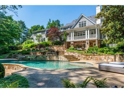 Sandy Springs Single Family Home For Sale: 515 Tara Trail