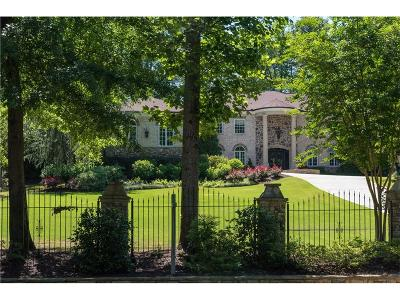 Single Family Home For Sale: 5170 Peachtree Dunwoody Road