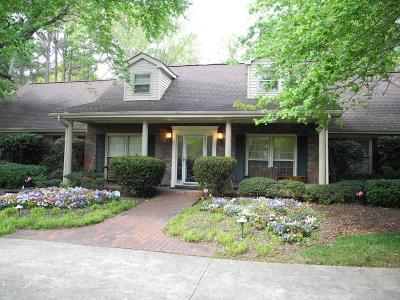 Woodstock Single Family Home For Sale: 2251 E Cherokee Drive