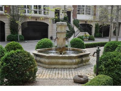 Atlanta Condo/Townhouse For Sale: 2288 Peachtree Road NW #1