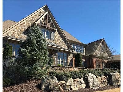 Alpharetta  Single Family Home For Sale: 15911 Manor Club Drive