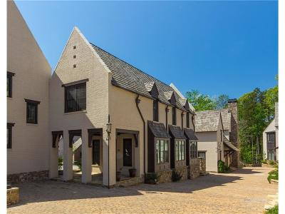 Single Family Home For Sale: 19 Swann Wynd