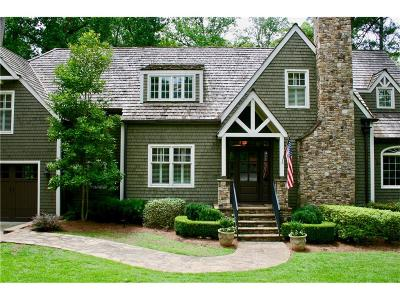 Single Family Home For Sale: 4164 Club Drive NE
