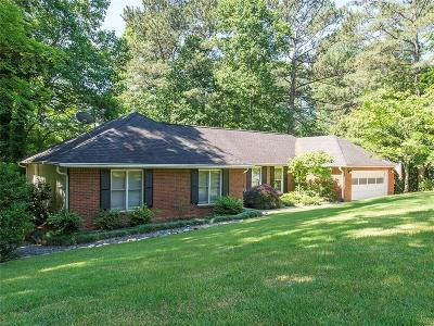 Cobb County Single Family Home For Sale: 4892 Sturbridge Crescent NE