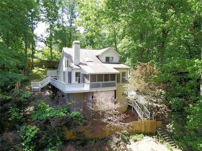 Alpharetta, Cumming, Johns Creek, Milton, Roswell Single Family Home For Sale: 3025 Lakeside Drive