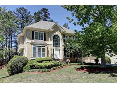 Johns Creek Single Family Home For Sale: 11920 Lexington Woods Drive