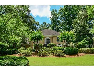 Sandy Springs Single Family Home For Sale: 355 Kelson Drive