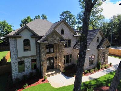 Marietta GA Single Family Home For Sale: $859,000