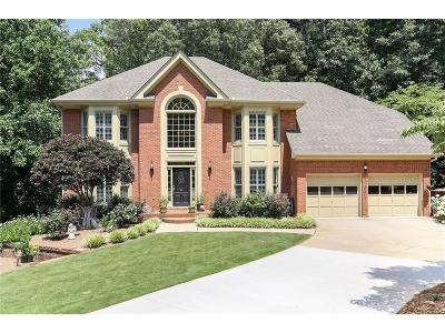 Roswell Single Family Home For Sale: 245 Shallow Springs Court