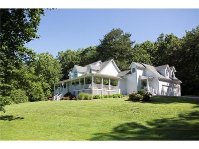 Canton Single Family Home For Sale: 105 White Oaks Lane