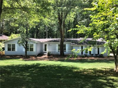 Kennesaw Single Family Home For Sale: 4669 N Springs Road NW