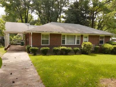 Atlanta Single Family Home For Sale: 917 Stokeswood Avenue