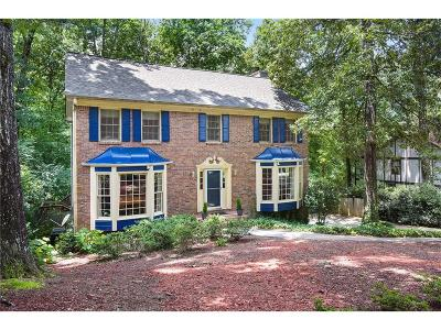 Roswell Single Family Home For Sale: 575 Wood Valley Trace