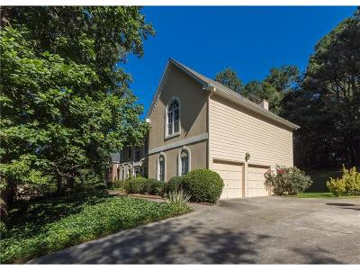 Roswell Single Family Home For Sale: 3030 Fenwood Trail