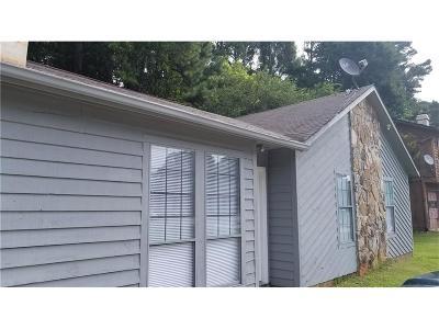 Single Family Home For Sale: 5675 Singleton Road