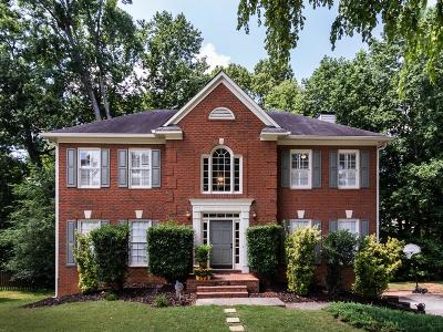 Alpharetta Single Family Home For Sale: 285 Dunhill Way Drive