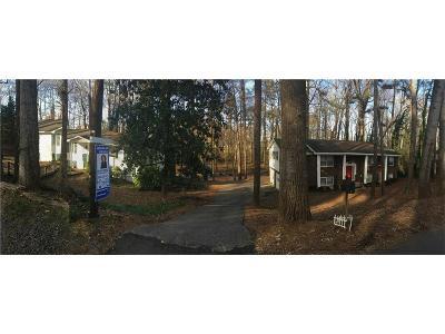 Alpharetta Single Family Home For Sale: 82 Thompson Street