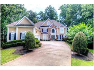 Johns Creek Single Family Home For Sale: 185 E Meadows Court