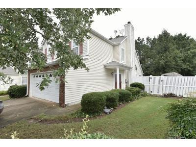 Alpharetta Single Family Home For Sale: 660 Chantress Court