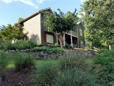 Lake Arrowhead Single Family Home For Sale: 161 Corner Oak Court