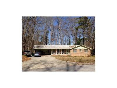 Lilburn Single Family Home For Sale: 1948 Pucketts Drive SW
