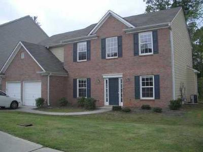 Fairburn Single Family Home For Sale: 5878 Village Loop