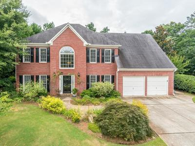 Roswell Single Family Home For Sale: 405 Brook Circle