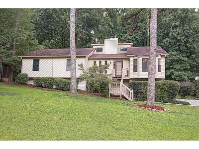 Marietta Single Family Home For Sale: 2184 Chartwell Drive
