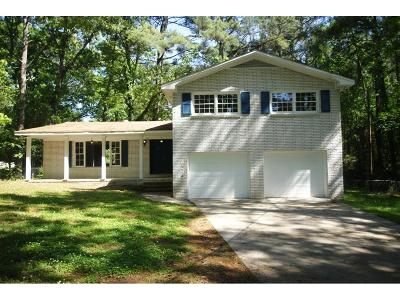 Lilburn Single Family Home For Sale: 4372&4 Burns Road NW