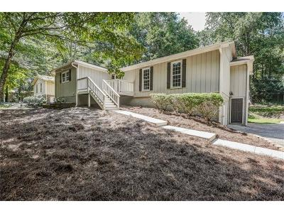 Marietta Single Family Home For Sale: 3421 Brookhill Circle