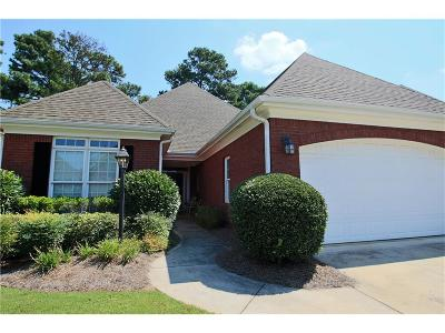 Snellville Single Family Home For Sale: 1875 Woodberry Run Drive